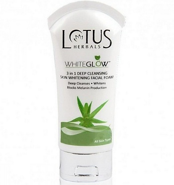 Lotus Herbals WhiteGlow 3 in 1 Deep Cleansing Facial Foam