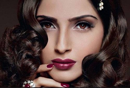 bollywood actresses in deep dark lipstick sonam