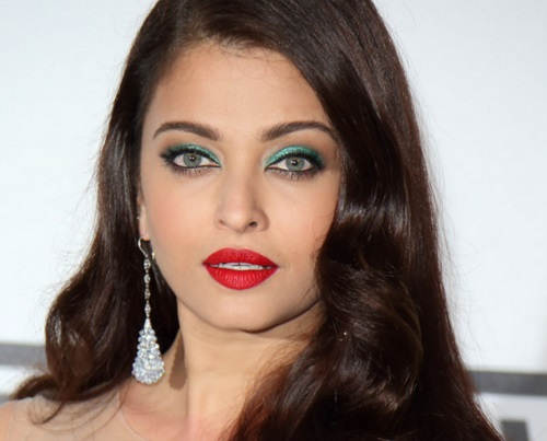 bollywood actresses in red lipstick Aishwarya