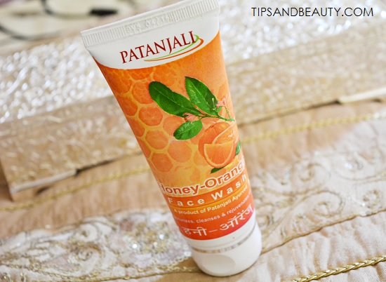 Patanjali Honey Orange Face Wash Review, Price, How to Use 4