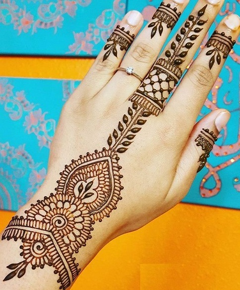 single line mehendi designs