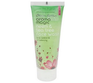 aroma magic Tea Tree Oil Control Face Wash