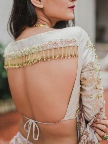 backless lehenga choli design