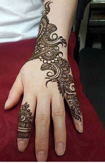 Simple half side mehndi design