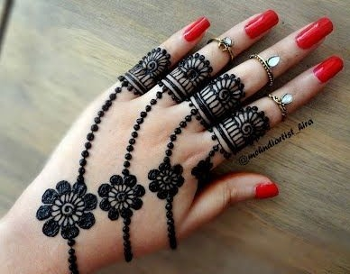 back hand mehndi design simple