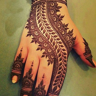 easy and attractive bail mehndi design