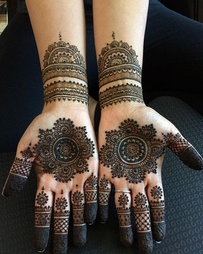 simple and grand arabic henna mehndi design