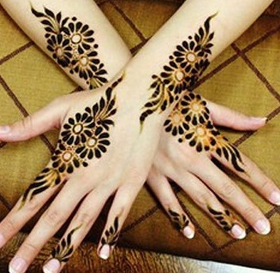 simple bharwa mehndi pattern