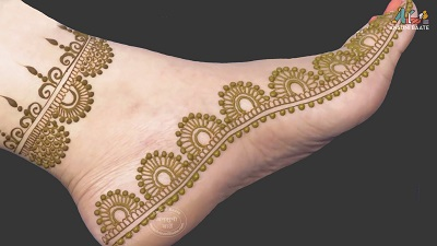 simple leg mehndi design for starters