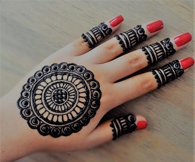 simple round mehndi design for hands