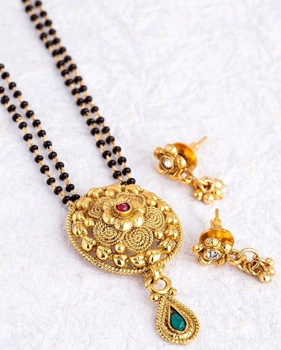 30 Gram Gold Mangalsutra With Matching Earrings