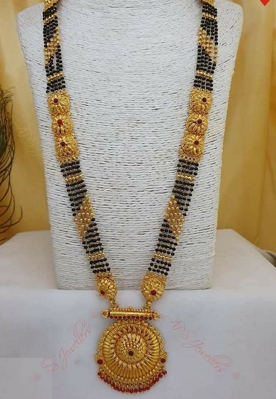 6 Black Beads Chains Gold Mangalsutra Design