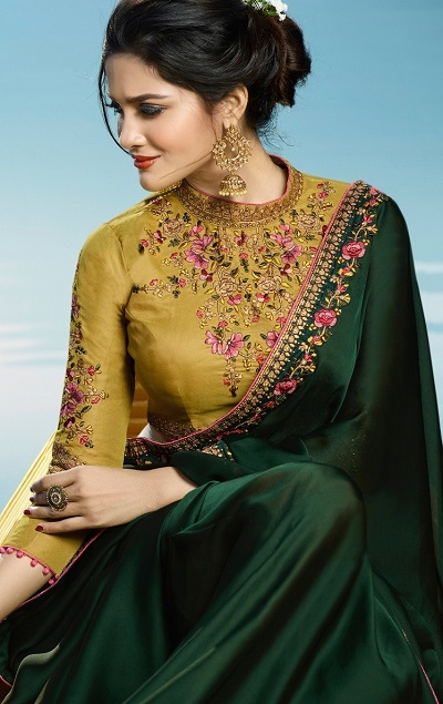 Green Plain Saree With Border With Heavy Embellished Blouse