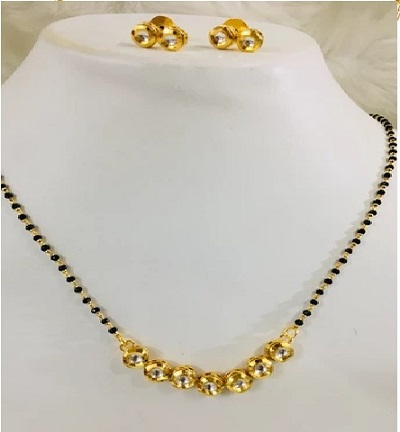 Short mangalsutra style with earrings