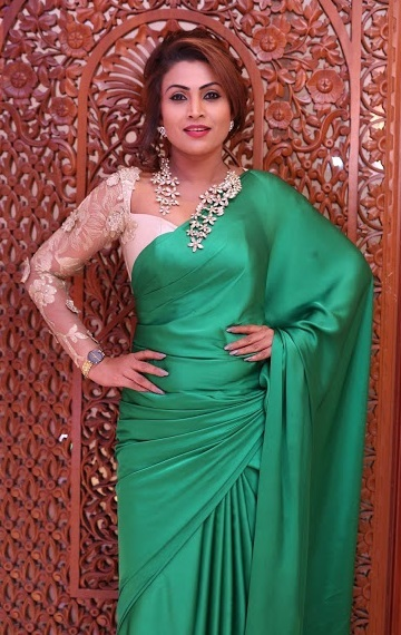 Simple Green Saree With Heavy Blouse Design