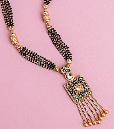 Unique Gold Mangalsutra Pattern With Square Pendant