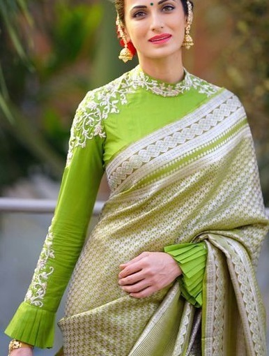 Green Long sleeves with plated cuff blouse