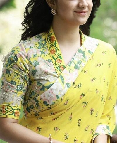 Stylish High Neck Collar V Neckline Blouse Pattern