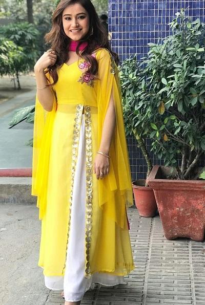 Side Slit Yellow Punjabi Kurta With Skirt