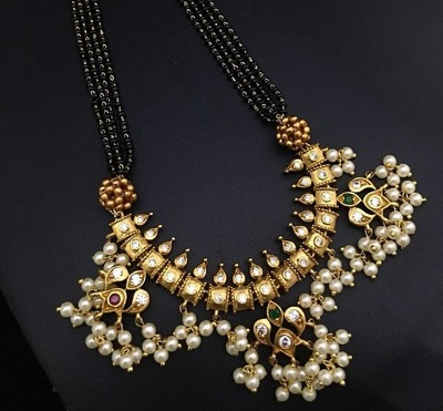 Heavy Gold And Pearl Mangalsutra Pattern