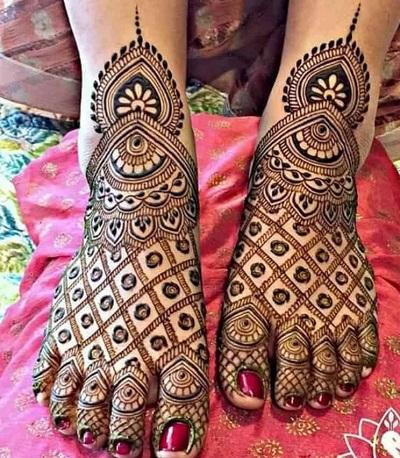 Foot Mehndi Design With Peacock Motif