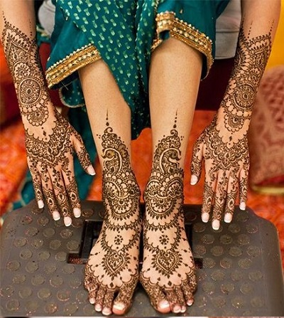 Matching Foot And Hand Mehndi Design For Brides