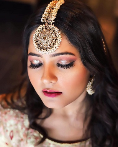 Stylish Heavy Chain Maang Tika For Brides