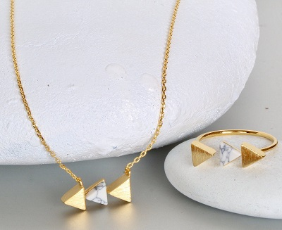 Office wear earring and necklace for women