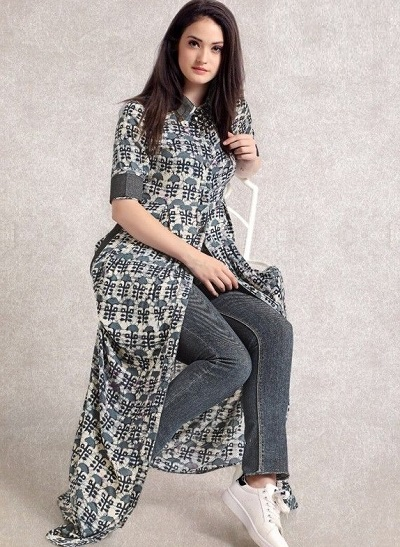 Cotton printed Centre slit long kurti with jeans