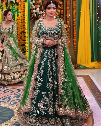 Very Heavy Green Colour Day Mehendi Ceremony Dress For Bride