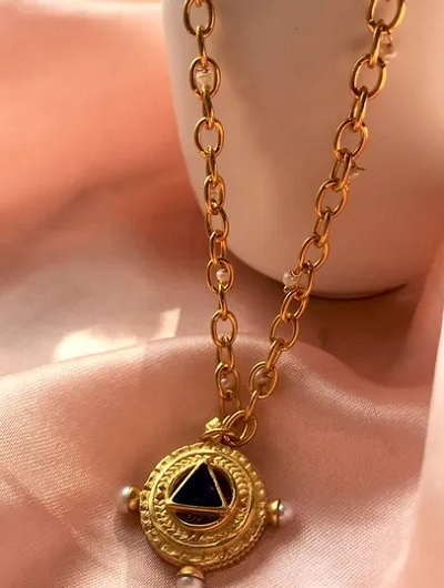 Gold Pendant With Pearl And Thick Chain For Women